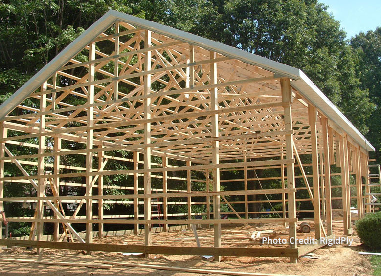 Glulam vs Solid Sawn post frame pole barn construction